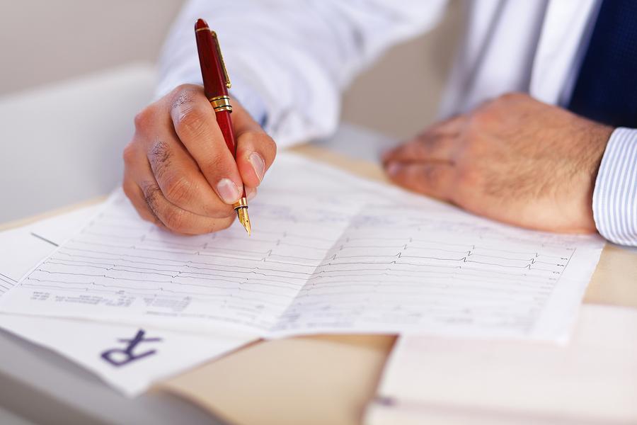 Doctor-Writing-CPAP-Prescription